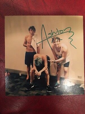 Ashton Irwin Hand Signed Autograph Photo 5 Seconds Of Summer