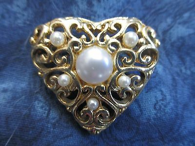 520--Beautiful Vintage Filigree Heart-- Pin/brooch