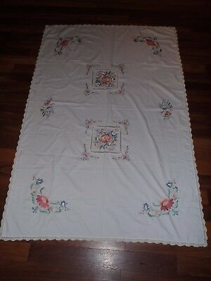 Vintage Doiley Embroidered Tablecloth, Floral, Great Condition, Lace Doiley Trim