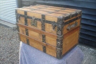 CHARACTERFUL 19th CENTURY PINE & ASH BANDED TRAVELLING TRUNK BLANKET BOX ANTIQUE