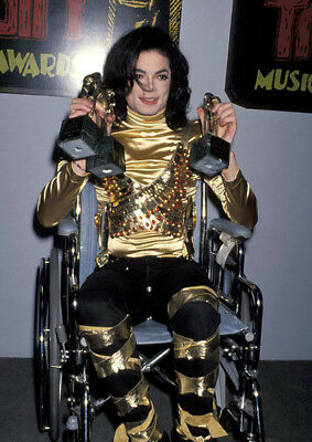 Michael Jackson UNSIGNED photo - K6306 - American singer, songwriter and dancer