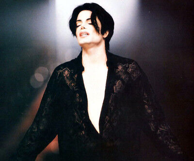 Michael Jackson UNSIGNED photo - K6307 - GREAT IMAGE!!!!!