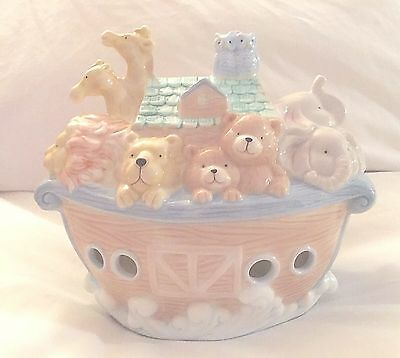 Noah's Ark Porcelain Night Light Electric Plug In Lamp Pastel Animals 1999 YH