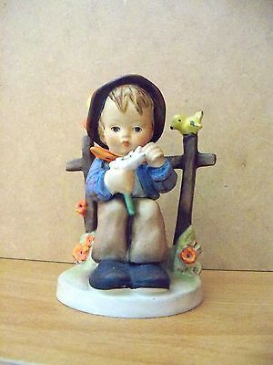 Hummel Figurine    SHE LOVES ME SHE LOVES ME NOT   #174  TMK2
