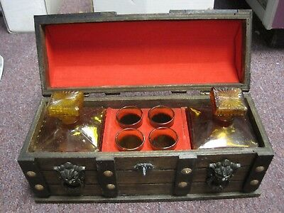 BAR SET VTG Pirate Treasure Chest Wooden Bar Set With Shot Glasses and Decanters