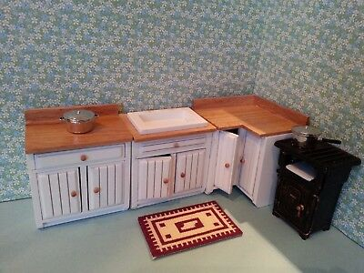 1:12 Scale Kitchen Units and Cooking Stove