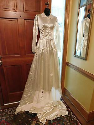 Gorgeous Vintage Crepe Back Satin Wedding Gown From 40's Thru 50's Modest Sz 2