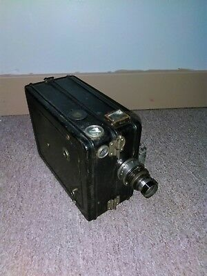 35mm devry lunchbox silent movie camera newsreel motion picture