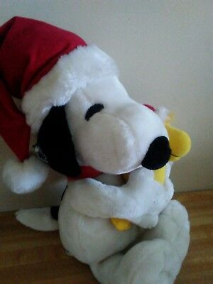 """Snoopy w/Woodstock 19"""" Plush~Holiday/Christmas/Santa Hats~applause~EXC COND"""