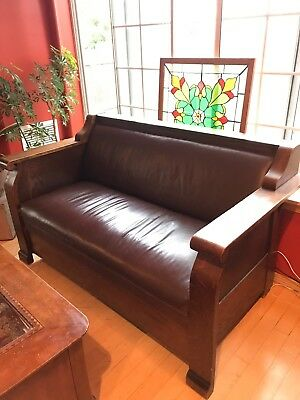 1910 Antique Mission Style Arts and Crafts Wooden & Leather sofa