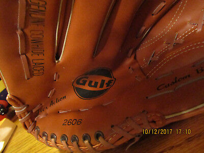 Gulf Oil Baseball Glove  New without tags #2606 Right