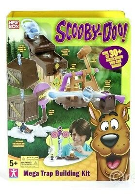 Fred/'s Trap Book Scooby Doo Mega Trap Building Kit