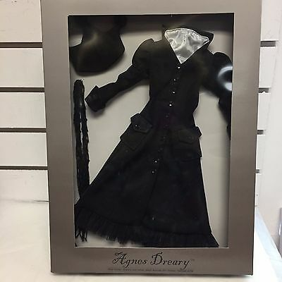 """Agnes Dreary - """"Covered in Darkness"""" - Sister Dreary BOXED OUTFIT - Tonner NRFB"""