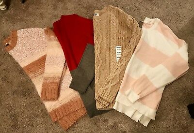 *BLACK FRIDAY CLOSET SALE!* Lot Of 3- Forever 21/Old Navy Winter Sweaters Women