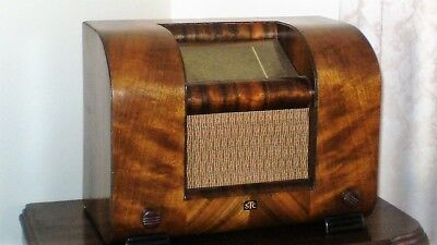 STC Timber Mantle Radio     -     Pick Up from Sunbury or Ivanhoe