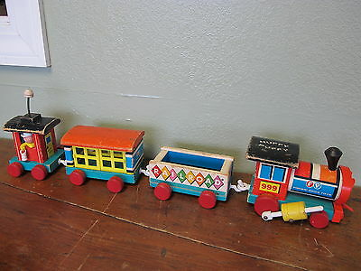 Vintage Fisher Price Huffy Puffy Train 999 Pull Toy Wooden Engine Caboose Cars