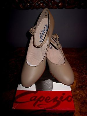 """Capezio Character Shoe Tan #650 Size 6N 2""""Heel New with Box"""