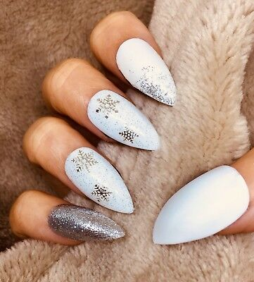 False Fake Christmas White Matte Snowflake Ice Effect Stiletto Nails Set