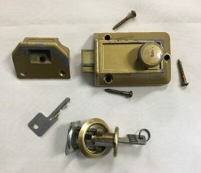 Vintage Yale Door Lock Spring Latch w/Two Keys Home Security Made In USA