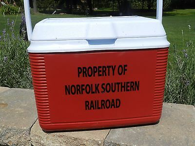 Vtg Red White Rubbermaid Norfolk Southern Railroad Ice Chest Cooler Very Nice