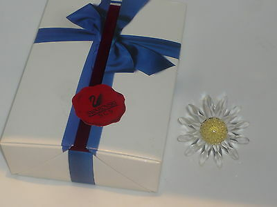 Perfect boxed Swarovski clear white yellow marguerite daisy flower SCS 229778