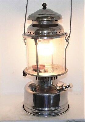 Nice Aladdin 1A kerosene lantern, clean with new seals and needle, burns great.