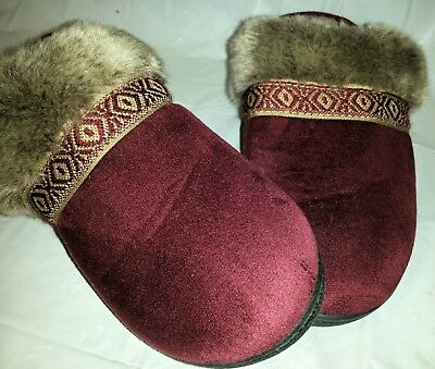 Isotoner Women's Size 7.5 - 8. Microsuede Faux Fur Cuff Red Maroon Slippers New
