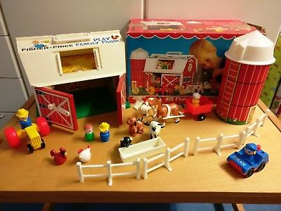 Fisher Price Play Family Farm # 915 VINTAGE Bauernhof Little People incl Packing
