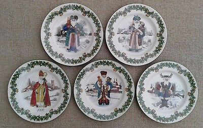 Spode - Santas Around The World - Selection Of Plates.