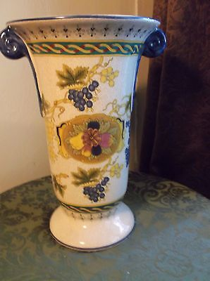 LOOK Beautiful Large Antique Chinese Vase