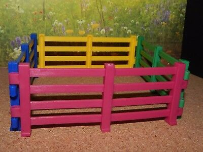 Breyer Stablemate 4-Piece Interlocking Sturdy Vinyl Colored Corral Fence Panels