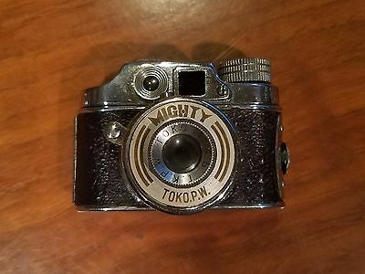 MIGHTY MINATURE CAMERA - Made in Occupied Japan (1947)