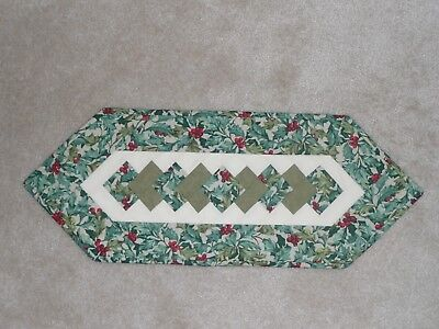 Handmade Quilt table runner, Longaberger American Holly, Christmas Holiday berry
