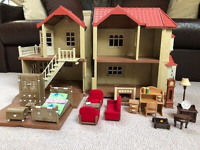 Sylvanian families Beechwood Hall bundle with squirrel family