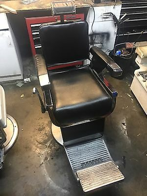 Antique Belmont Barber Chair works perfectly for barber shop