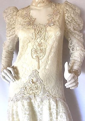 VINTAGE 1980 COUNTRY ELEGANCE Lace Ivory Long Wedding Dress Victorian/20s Design