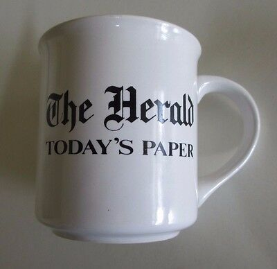 'The Herald' Newspaper - Souvenir Mug - Melbourne, Australia - 1980s