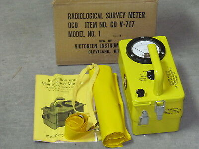 Victoreen RADIOLOGICAL SURVEY METER CD V-717 With Instructions & Case MINT