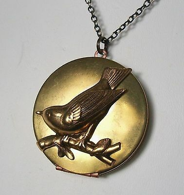 Beautiful BIRD SPARROW / SWALLOW Antiqued Brass VINTAGE LOCKET Necklace