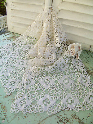 Vintage Lace Table Runner Doily Shabby Belle Brocante linen