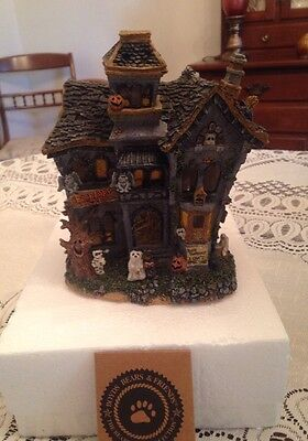 Retired Boyd Bear BooBeary Acres Haunted Lighted Mansion ....Pre-owned