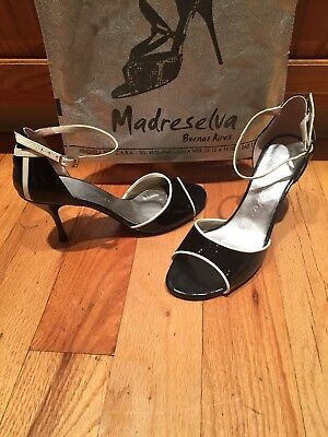 Argentine Tango Shoes size 39. Madreselva Black patent leather/ ivory detailing.