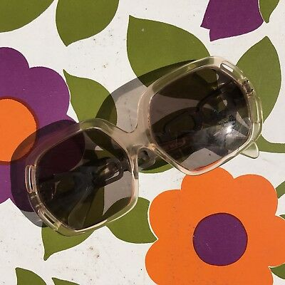 VINTAGE 1970s sunglasses made in ITALY retro sunnies