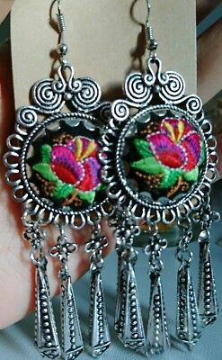 Gorgeous vintage fashion woman earrings bring Goodluck