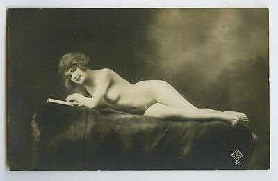 c 1920 French NUDE BEAUTY risque sexy photo postcard