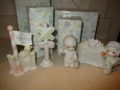 Lot of 4 Precious Moments Sugar Town Figures & Accessories