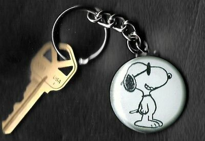 SNOOPY of Peanuts Charlie Brown by Charles Schulz Key Chain KEYCHAIN