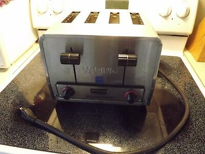 Waring Commercial Toaster Model WCT800 Beautiful Excellent Shape Clean USED