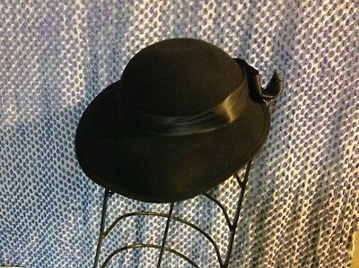 Vintage 1940's or 50's Lord and Taylor brimmed Ladies Hat
