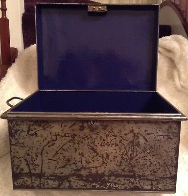 Vintage Heavy Duty Metal Storage Deed Tool Box Tin with Handles Renovated